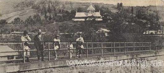 Церква в Дорі на листівці 1910 р. Фото з сайту